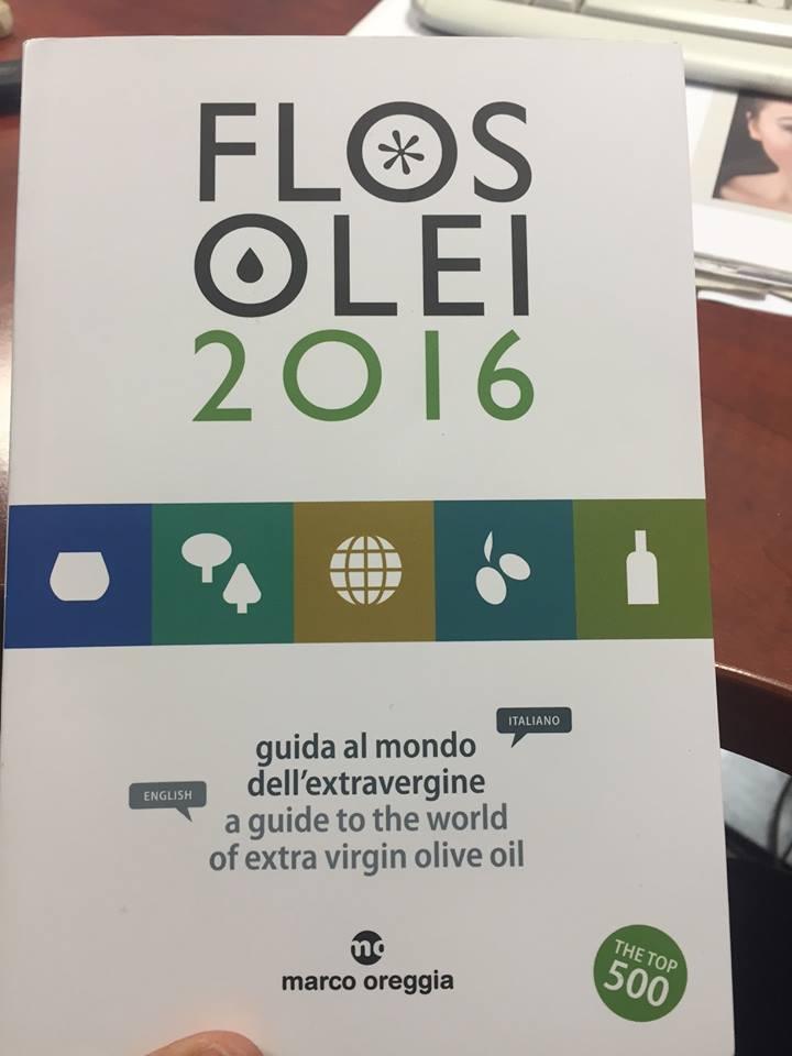 La Guía del Mundo del Aceite de oliva virgen Extra. A guide to the world of extra virgin olive oil.